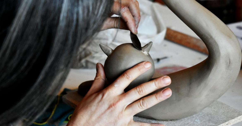 greta-lavoro-ceramica.png